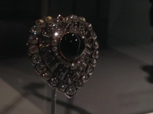 Mourning brooch of diamonds & jet